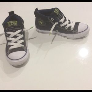 CONVERSE CHUCK TAYLORS UNISEX SNEAKERS
